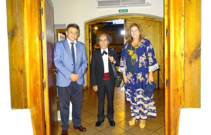Jesús González-Mohíno junto alcalde de Daimiel y la alcaldesa de Torralba